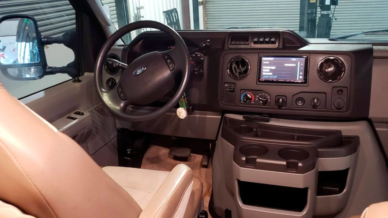Ford E-350 Sportsmobile 2013